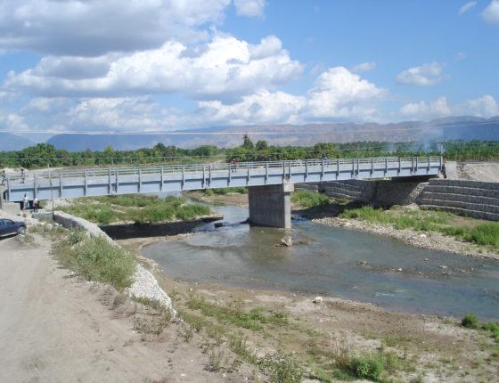 Pont definitif pour relier Mapou a Gaudin en Haiti