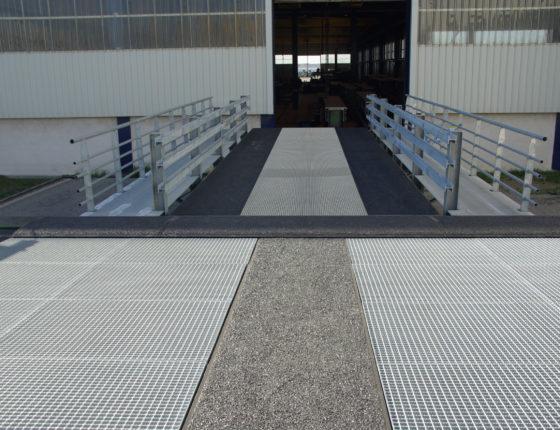 Transport de vehicule en mode roulier (Ro-ro) a l'usine de Fos-sur-Mer